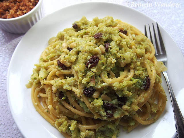 Bucatini con Broccoli Arriminati – Broccoli Pasta and Palermo