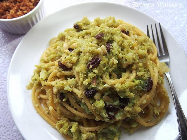 Bucatini con Broccoli Arriminati – Broccoli Pasta and B&B inPalermo