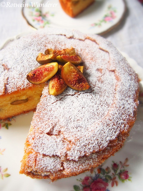 Roasted Fig and Almond Cake