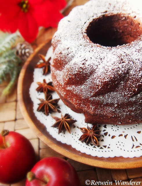 Rotweinkuchen – Red Wine Cake andAhr